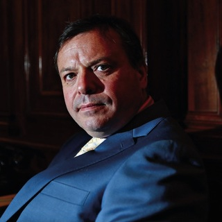 Square arron banks