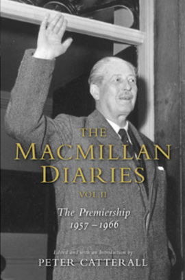 Cover the macmillan diaries ii 978033043309901